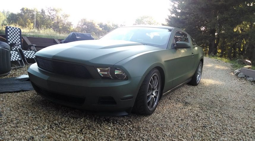 Main photo of nm rr's 2012 Ford Mustang