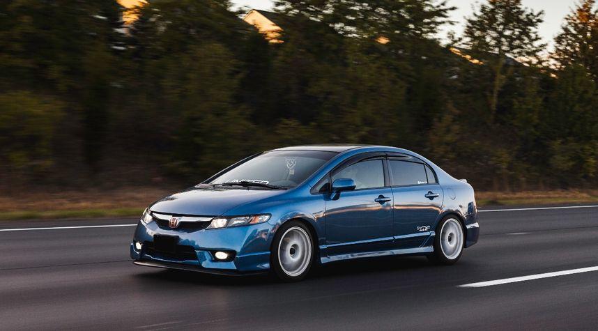 Main photo of Ian Ivanoff's 2010 Honda Civic