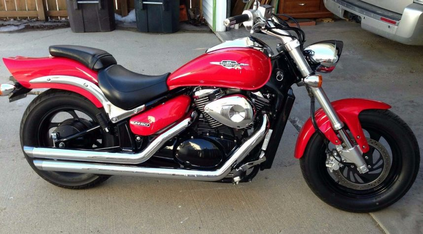 Main photo of Brandon Harris's 2005 Suzuki Boulevard