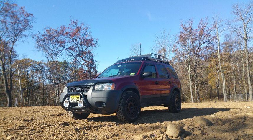 Main photo of Nick Masterson's 2003 Ford Escape