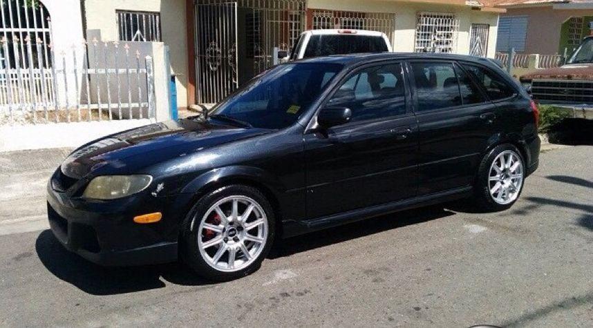 Main photo of Luis E Hernandez's 2002 Mazda Protege5