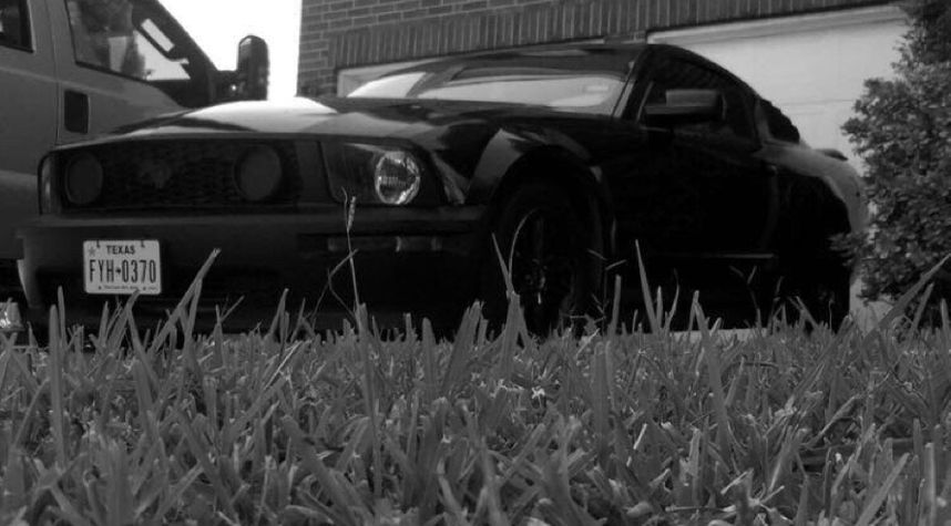 Main photo of John Irving's 2008 Ford Mustang