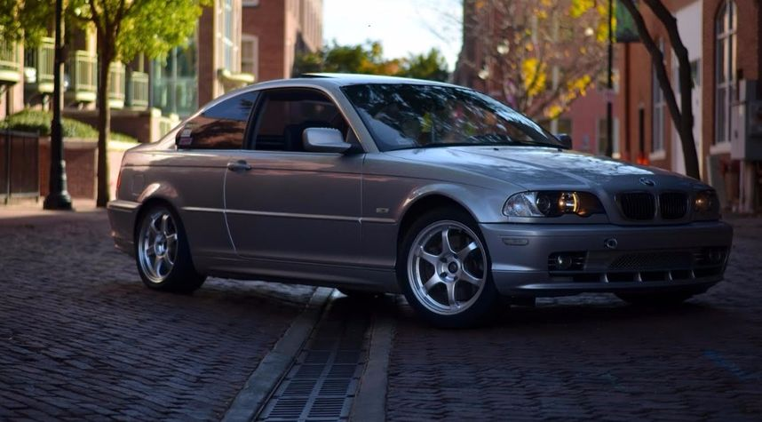 Main photo of undefined's 2002 BMW 3 Series