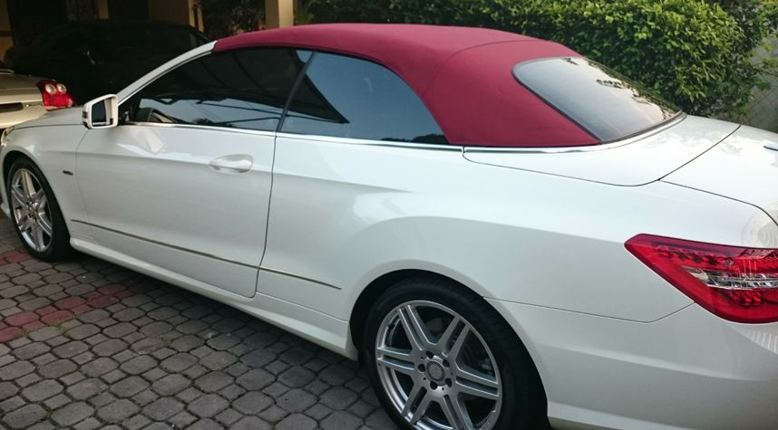 Main photo of Annuar Akil's 2011 Mercedes-Benz E-Class