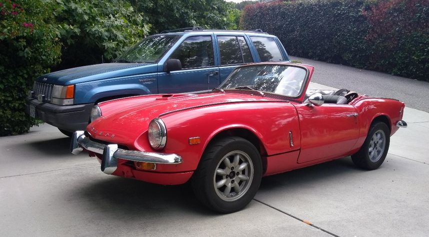 Main photo of Chris S.'s 1969 Triumph Spitfire