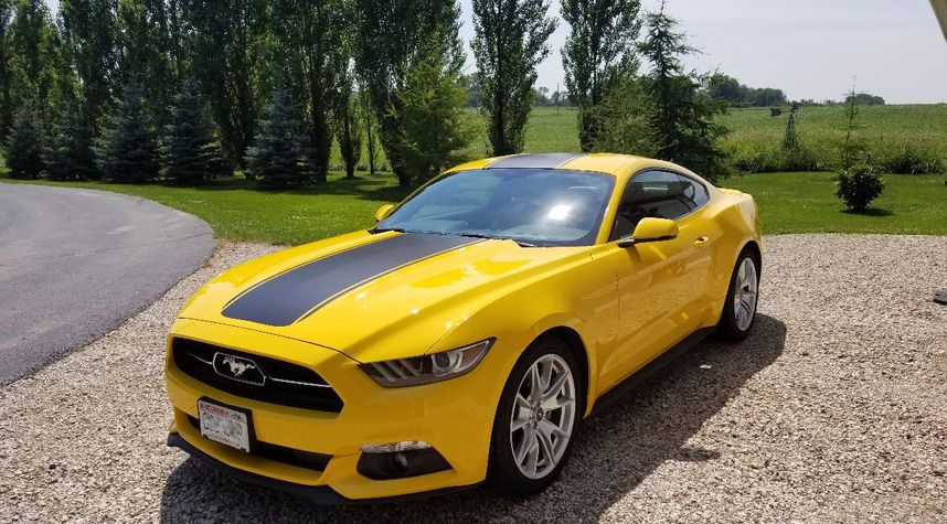 Main photo of Chris Madson's 2015 Ford Mustang