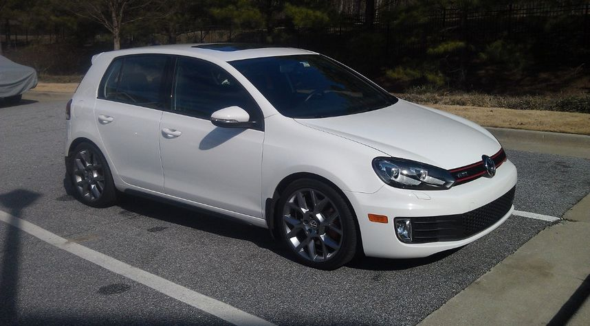 Main photo of Ba Bu's 2013 Volkswagen GTI