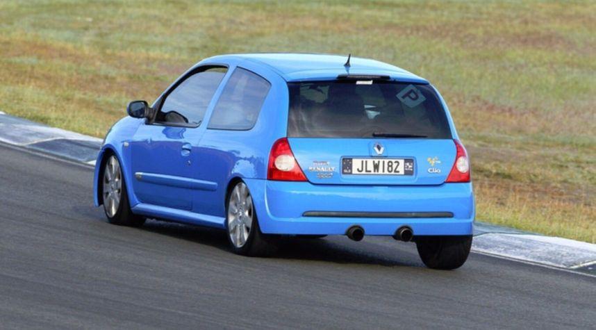Main photo of James White's 2004 Renault Clio