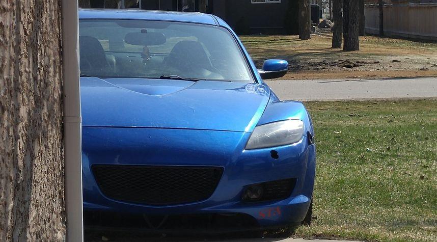 Main photo of Larry Friesen's 2005 Mazda 2001-08-01T05:00:00.000Z