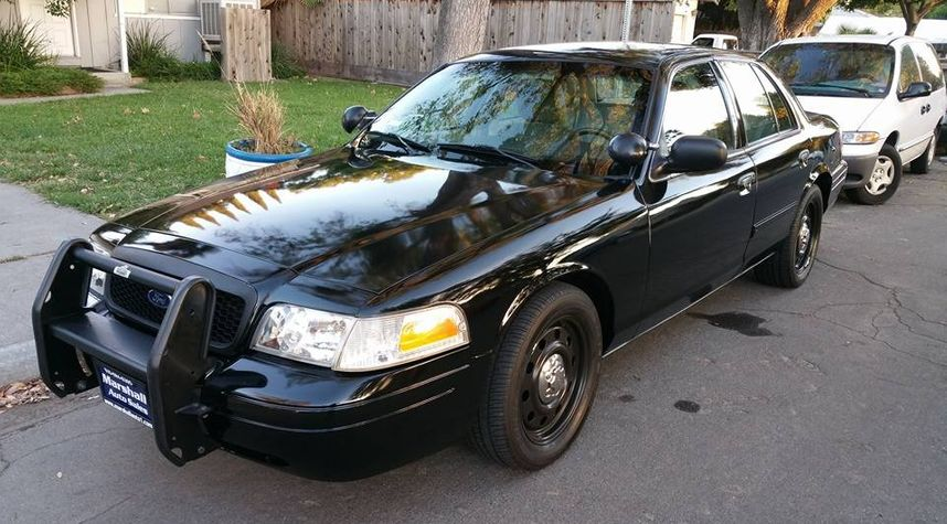 Main photo of Ross Stevens's 2011 Ford Crown Victoria