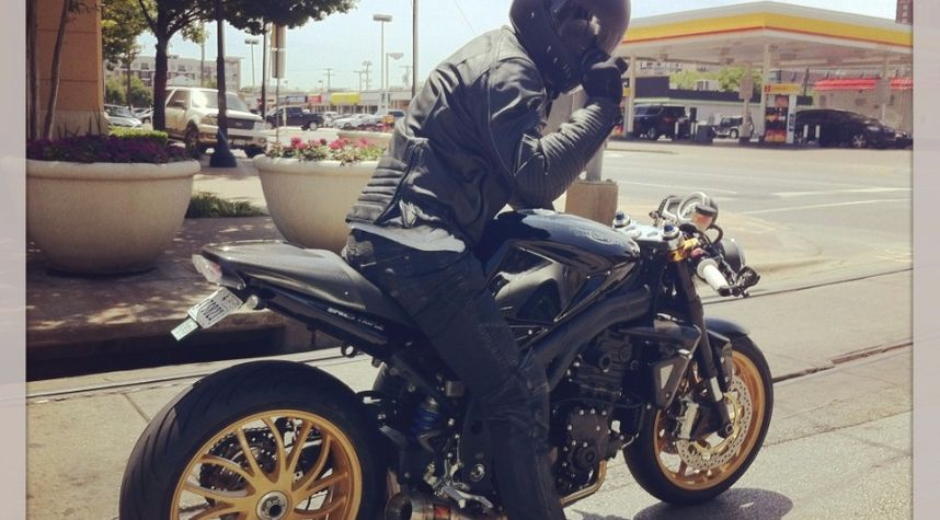 Main photo of Anthony Chiang's 2010 Triumph Speed Triple 1050