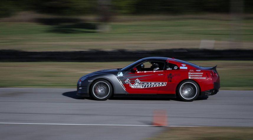 Main photo of Kevin Maradiaga's 2013 Nissan GT-R