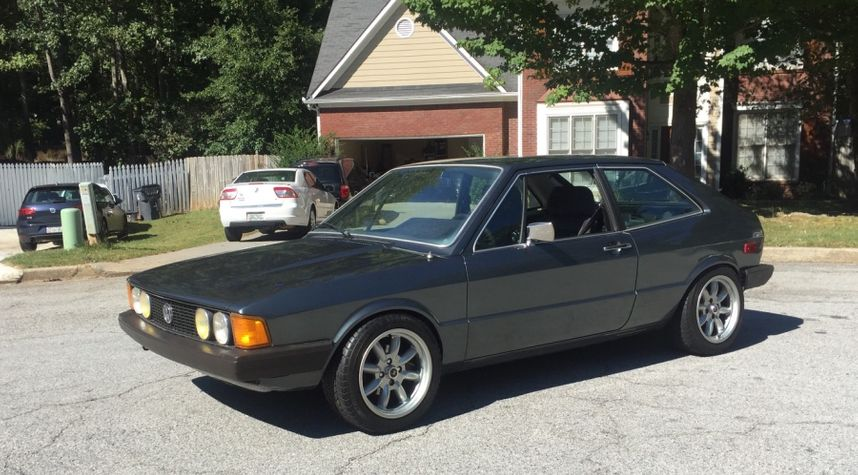 Main photo of David Palacios's 1981 Volkswagen Scirocco