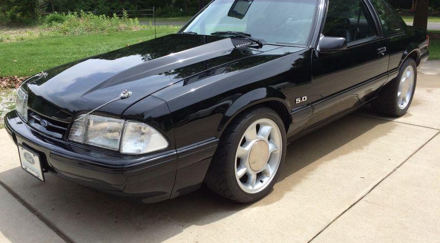 Main photo of Matt Gessler's 1993 Ford Mustang