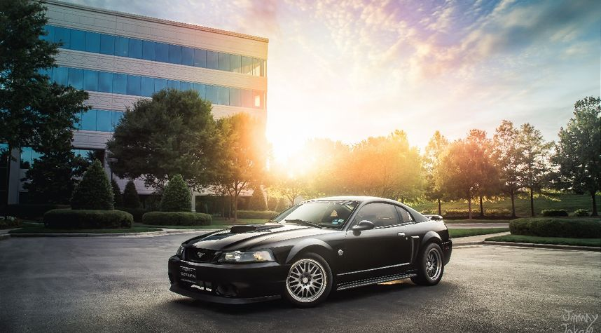 Main photo of Jimmy Zhang's 2004 Ford Mustang