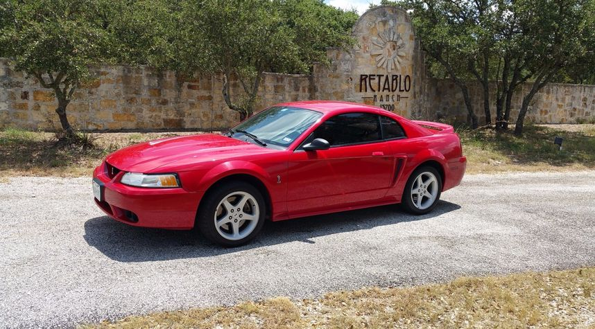 Main photo of James Perry's 1999 Ford Mustang SVT Cobra