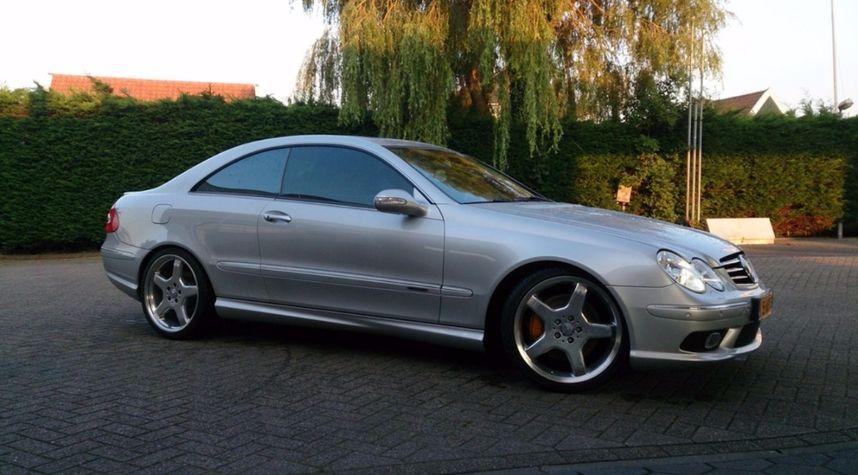 Main photo of Lucas Visser's 2003 Mercedes-Benz CLK-Class