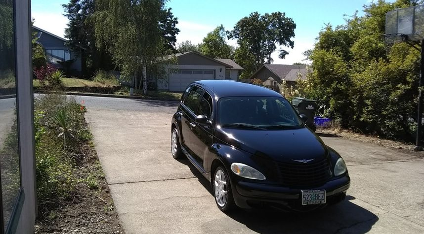 Main photo of Randy Sparks's 2004 Chrysler PT Cruiser