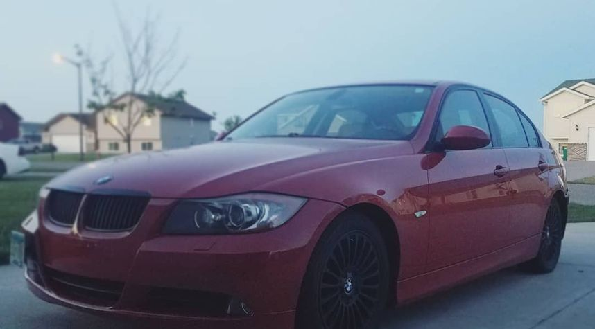 Main photo of Isaiah Hall's 2007 BMW 3 Series