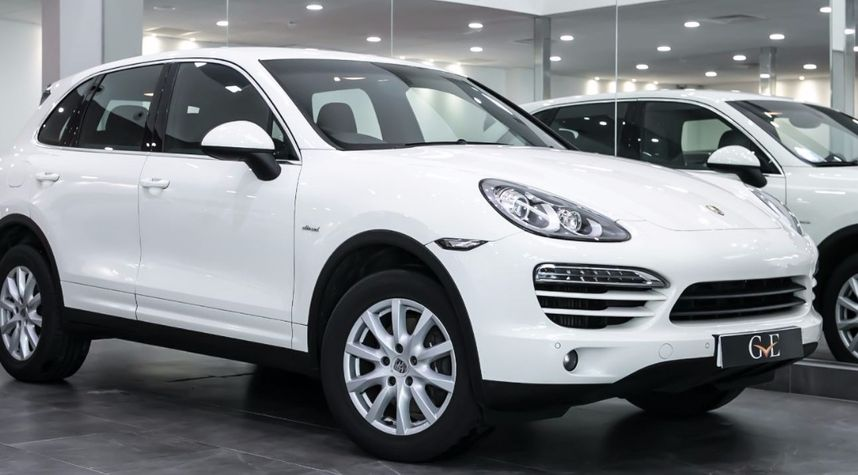 Main photo of Brendon Squire-Howe's 2011 Porsche Cayenne