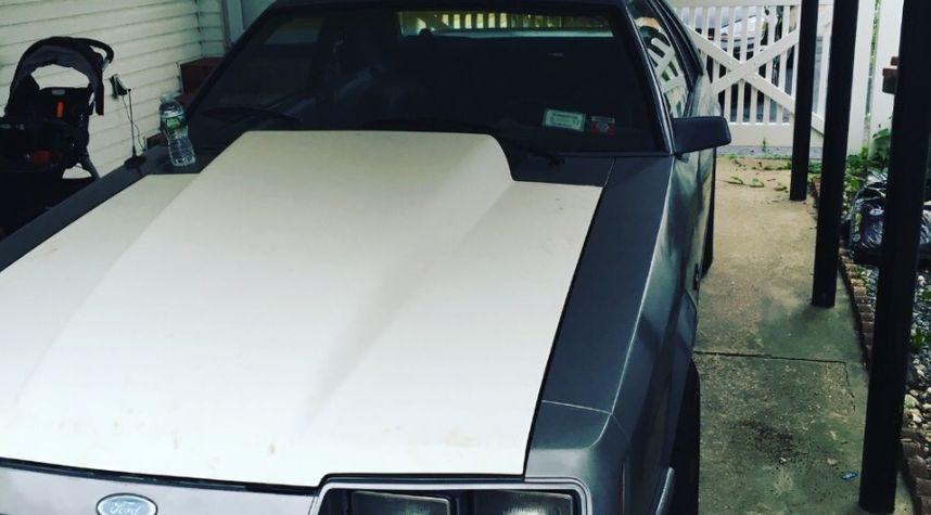 Main photo of Jason Se's 1985 Ford Mustang