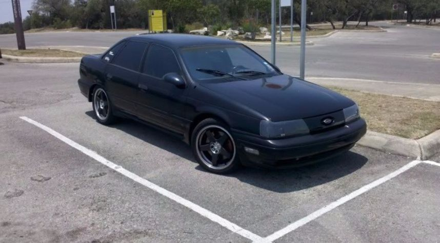 Main photo of Sean Simons's 1989 Ford Taurus