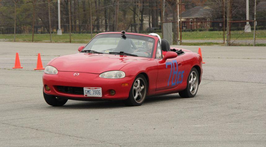 Main photo of Andrew Fawcett's 2001 Mazda MX-5 Miata