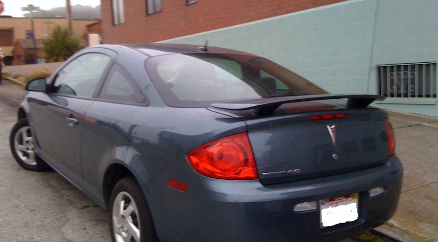 Main photo of Lindsay Bailey's 2007 Pontiac G5