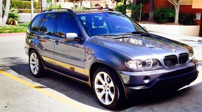 Main photo of Elliot Noteware's 2002 BMW X5