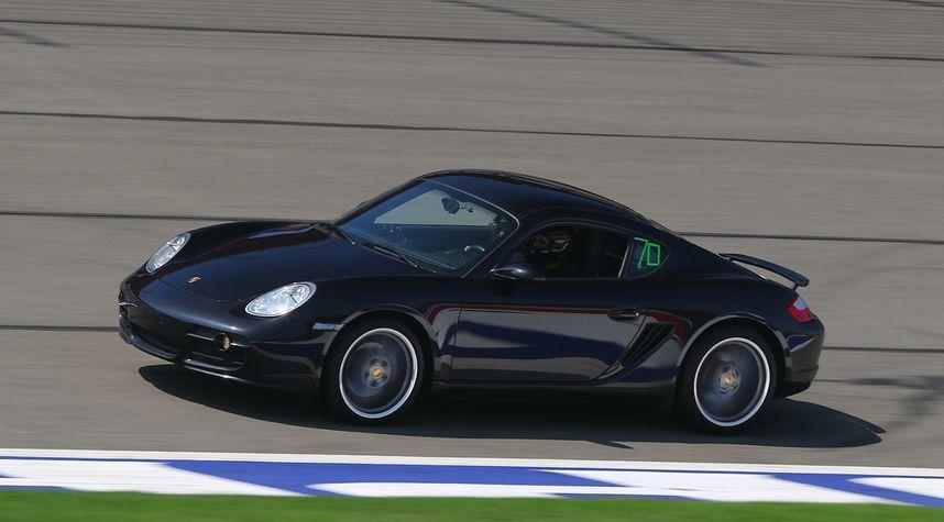 Main photo of Bill Diaz's 2008 Porsche Cayman S