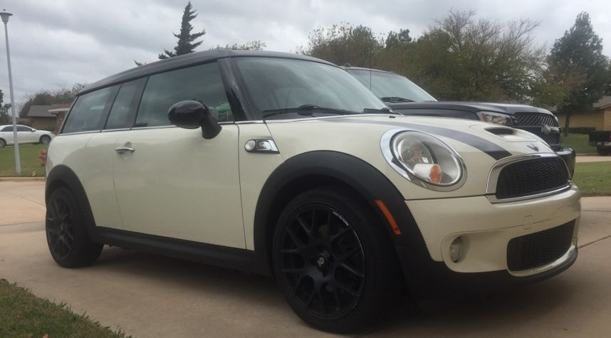 Main photo of Peter Frias's 2010 MINI Cooper Clubman