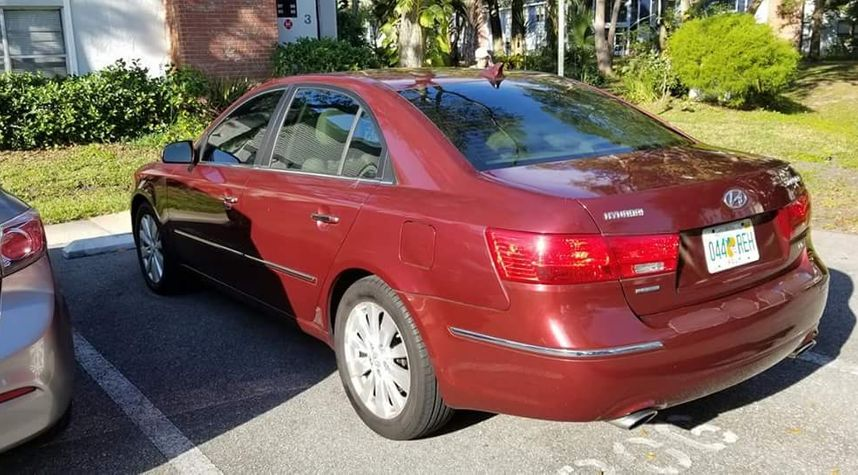 Main photo of Kris Curbelo's 2009 Hyundai Sonata