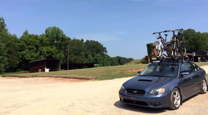 Main photo of Adam StLaurent's 2005 Subaru Legacy