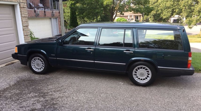 Main photo of Declan Owen's 1993 Volvo 960