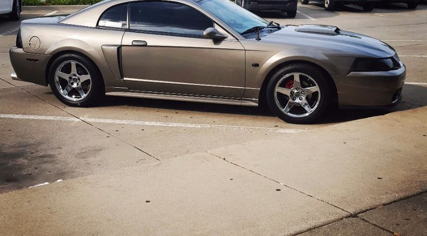Main photo of Alexander Smith's 2001 Ford Mustang
