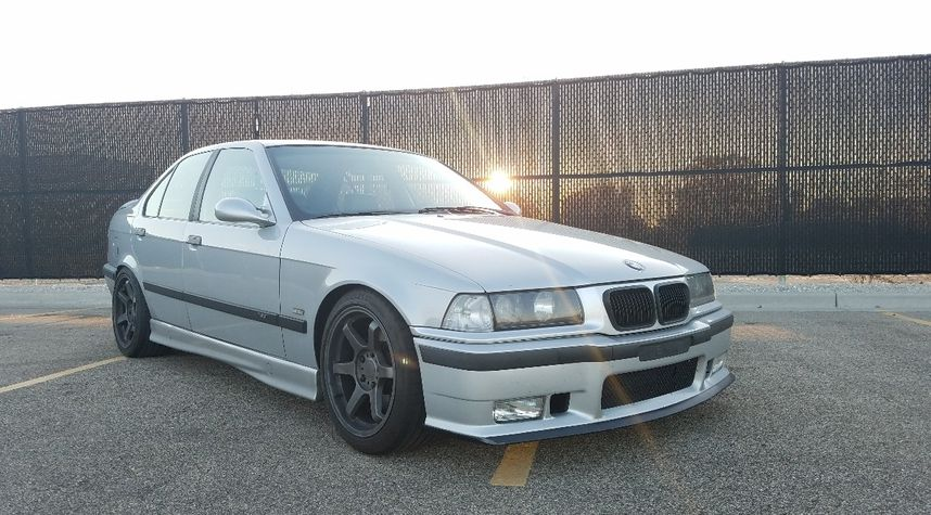 Main photo of Jesse Crane's 1998 BMW M3