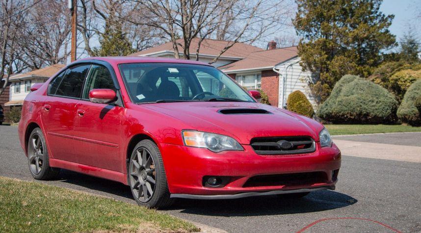 Main photo of Noah Yolles's 2005 Subaru Legacy
