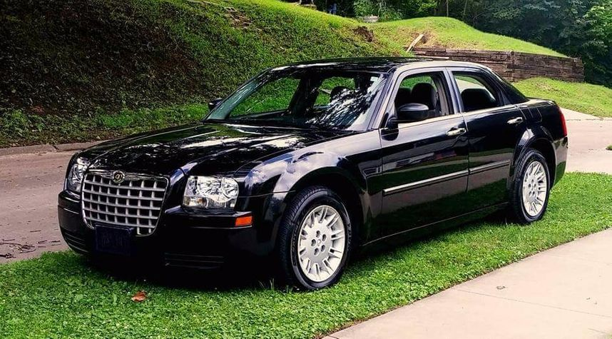 Main photo of Troy Daly's 2007 Chrysler 300