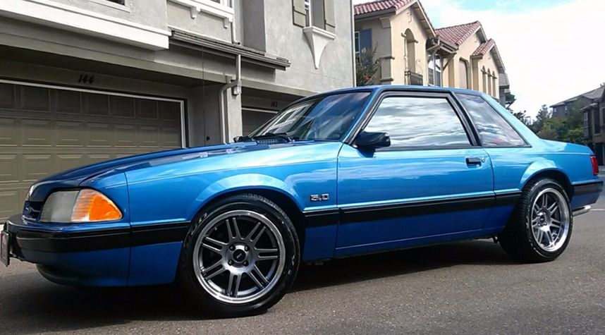 Main photo of David Castro's 1989 Ford Mustang