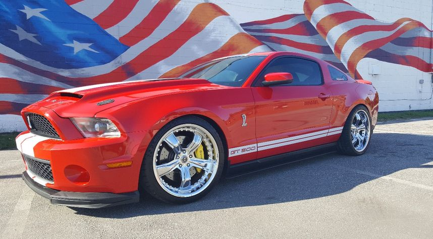 Main photo of Tom Jackson's 2010 Ford Shelby GT500