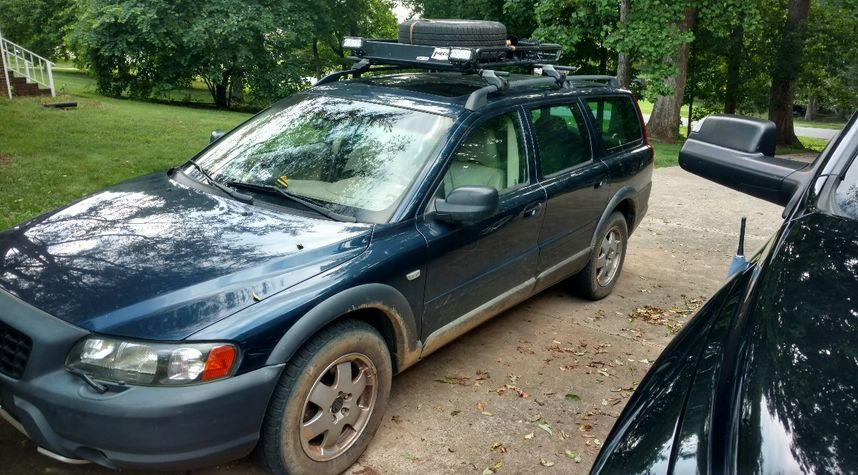Main photo of Nathan Ledford's 2003 Volvo XC70