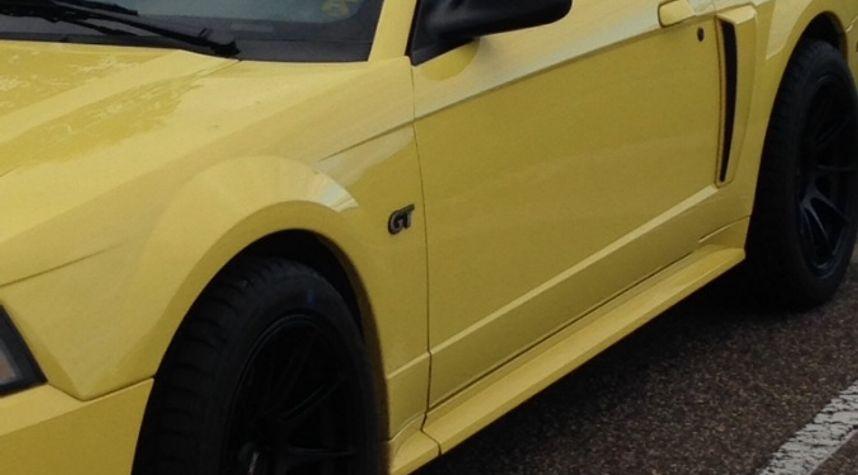 Main photo of Matthew Lex's 2001 Ford Mustang