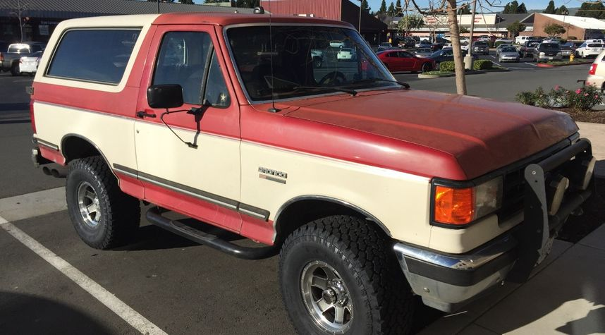 Main photo of Ron Pascua's 1990 Ford Bronco