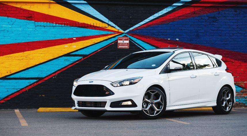 Main photo of Trevor Suarez's 2018 Ford Focus ST