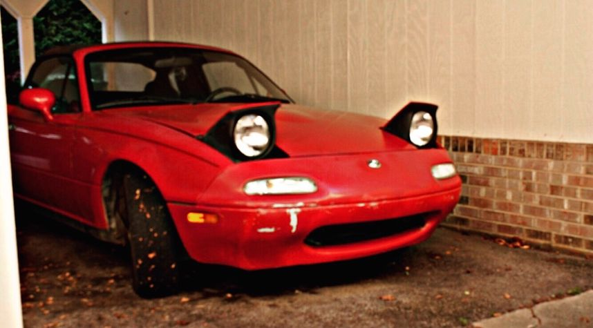 Main photo of Zane Lambert 's 1993 Mazda MX-5 Miata