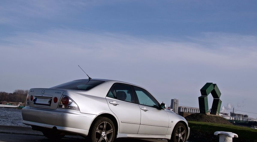 Main photo of rubie nator's 1999 Lexus IS200