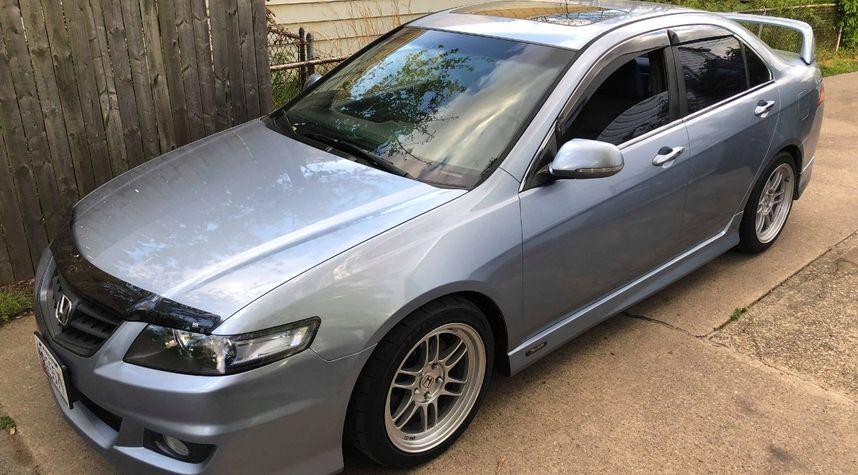 Main photo of Bryan Rajkumar's 2004 Acura TSX