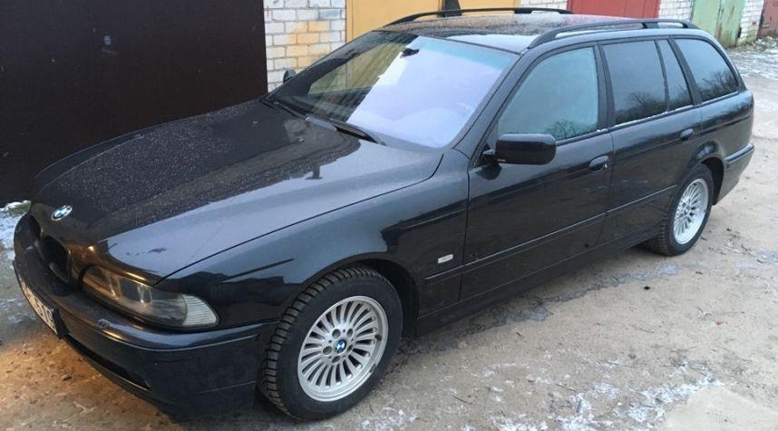 Main photo of Simonas Ruplenas's 2001 BMW 5 Series