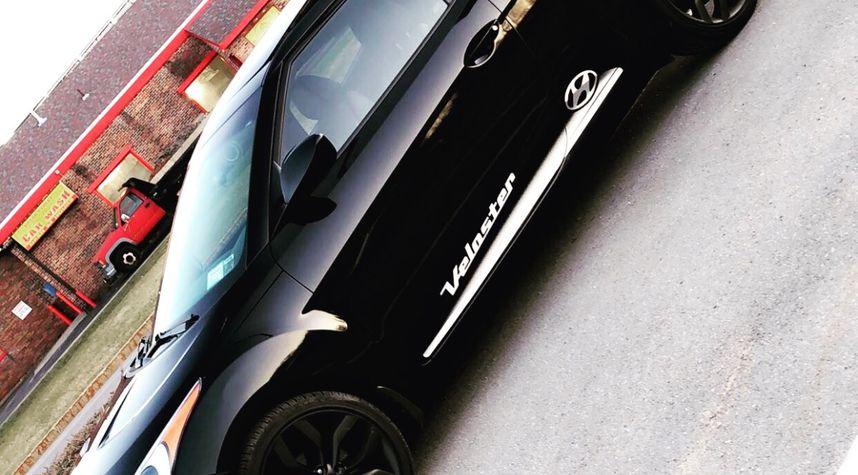 Main photo of Brandon Mastrangelo's 2013 Hyundai Veloster