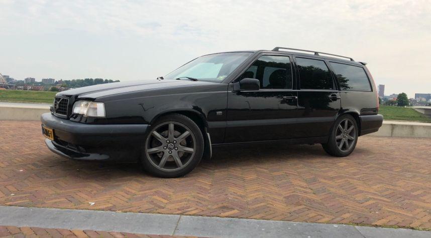 Main photo of Kylian Monsma's 1997 Volvo 850